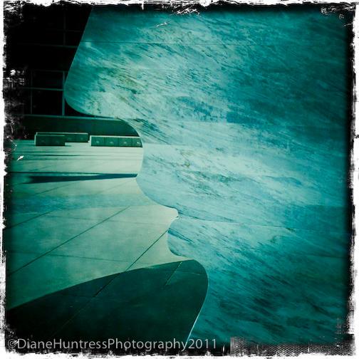 Larry-Kirkland-public-art-marble-silhouette