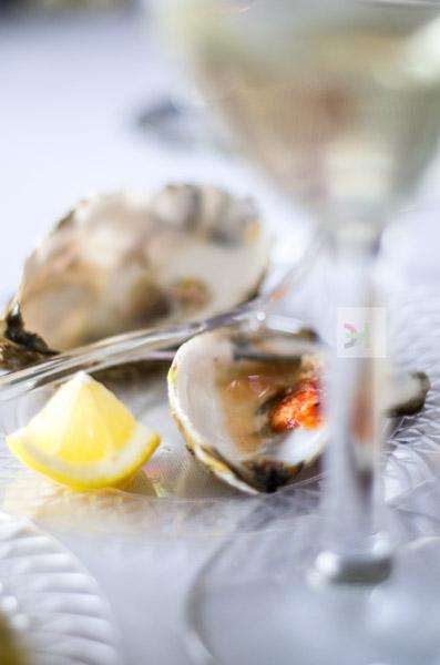 oyster, sauce, lemon